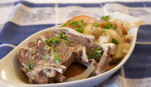 レイチェルのパリの小さなキッチン:牛肉のブルゴーニュ風煮込み バゲットのクネル添え