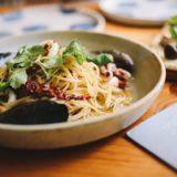 男子ごはん:カルボナーラ・ミートソース・豚肉と小松菜の和風パスタの作り方!春の定番料理