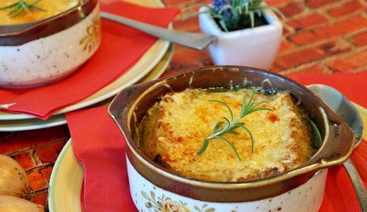 得する人損する人:こわもて小林シェフの「ちょっと残った餃子のタネ」のリメイクレシピ <トマトグラタンスープ>