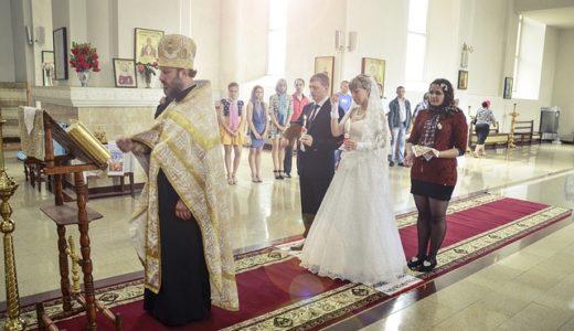 初耳学:結婚式の牧師はほぼアルバイト!?