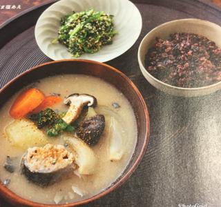 趣味どきっ!人と暮らしと、台所:魚の水煮缶のかす汁&春菊のごま塩あえレシピ!流れるようによどみなく~有元葉子さんの台所